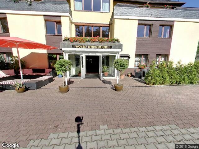 Hotel Oybiner Hof Eingang zur Rezeption streetview